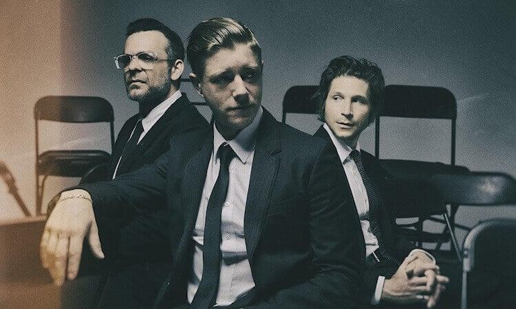 Interpol  lanza un pequeño documental sobre Turn on the Bright Lights XV.