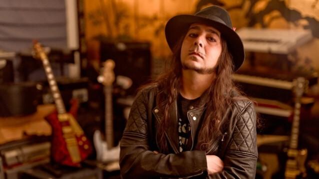 Mira el nuevo vídeo de Daron Malakian con Scars On Broadway