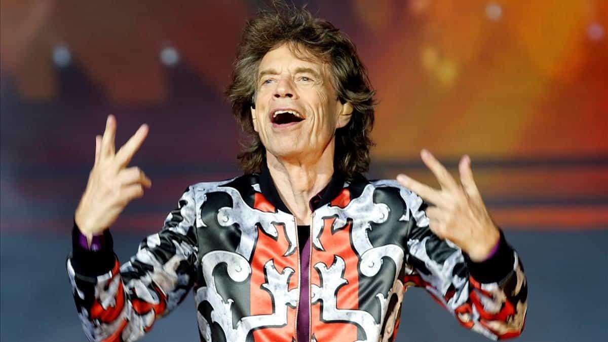 Mick Jagger se someterá a una operación