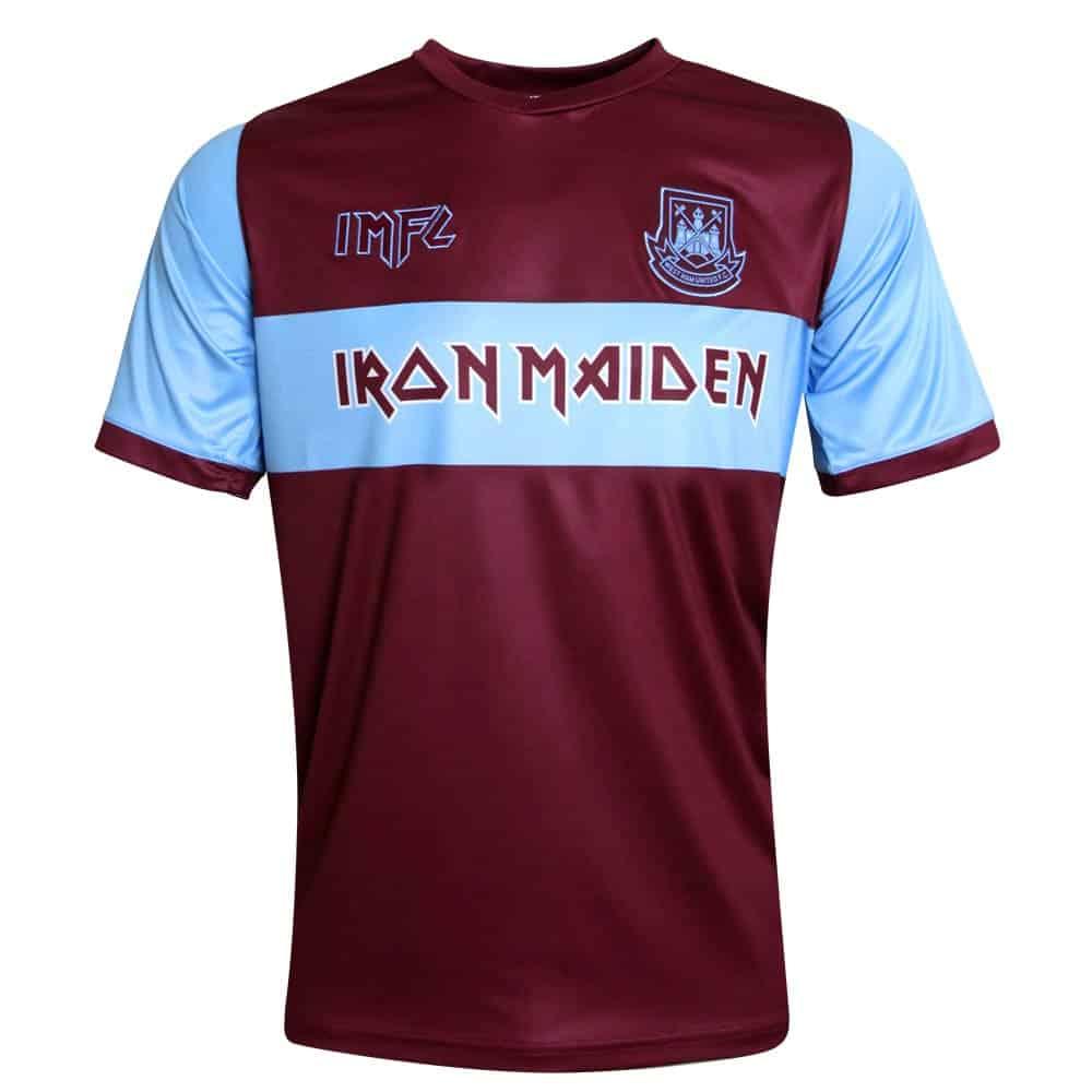 Playera del equipo West Ham United con el patrocinio de Iron Maiden