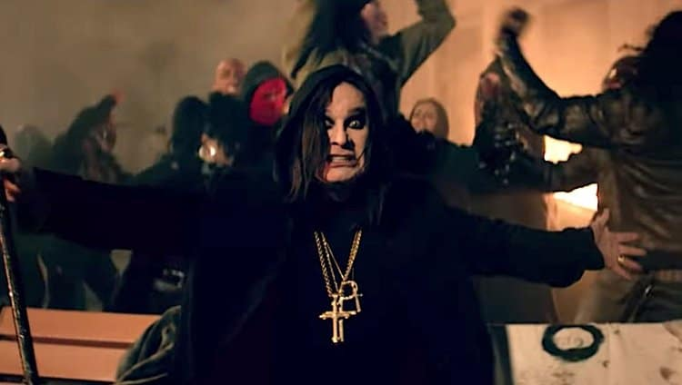 Ozzy Osbourne en el vídeo de Straight to Hell