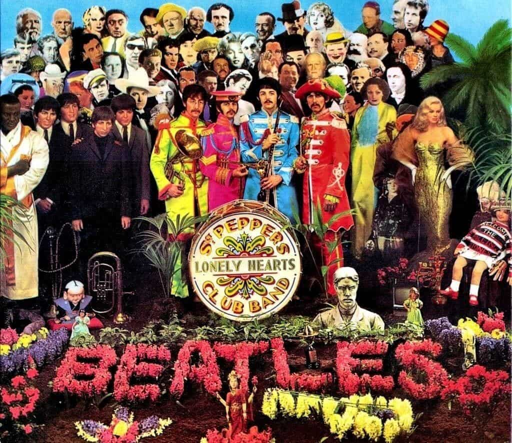 Portada del álbum Sgt Pepper Lonely Hearts Club Band de The Beatles