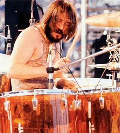 John Bonham tocando la batiría